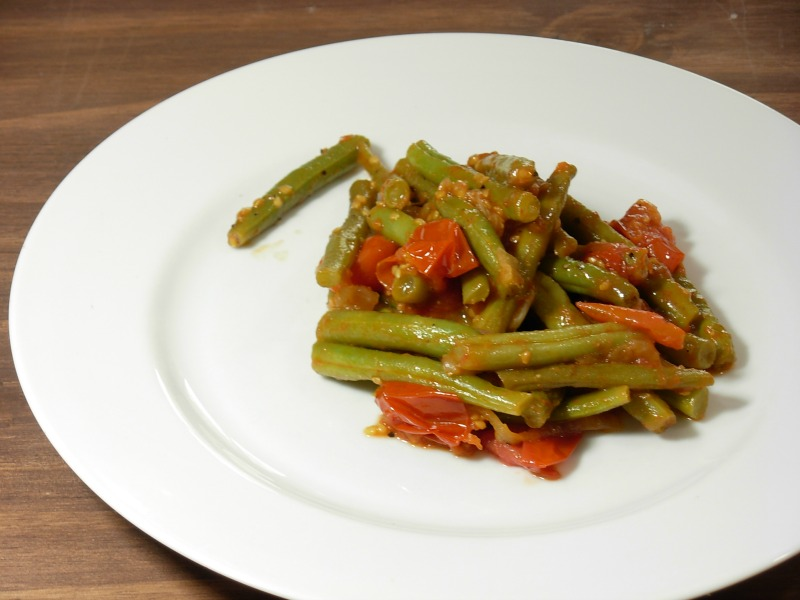 green beans with tomatoes 001